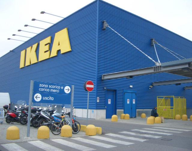 Ikea scoppia il caso corsico licenziata una mamma separata con un bambino disabile il mio - Navetta per ikea corsico ...