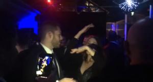5-stelle-in-discoteca-ma-qualcosa-festeggiare