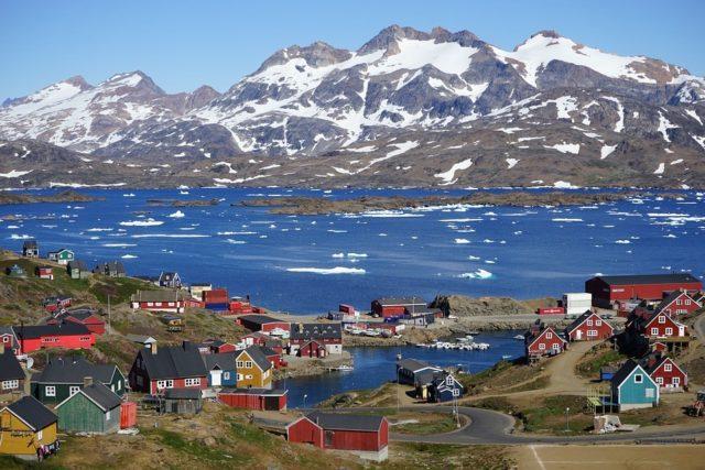 groenlandia-i-ghiacci-si-sciolgono-e-tutti-la-vogliono