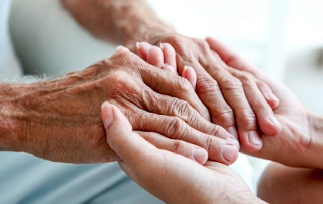 anziani-anche-in-emilia-visite-nelle-residenze-con-il-green-pass